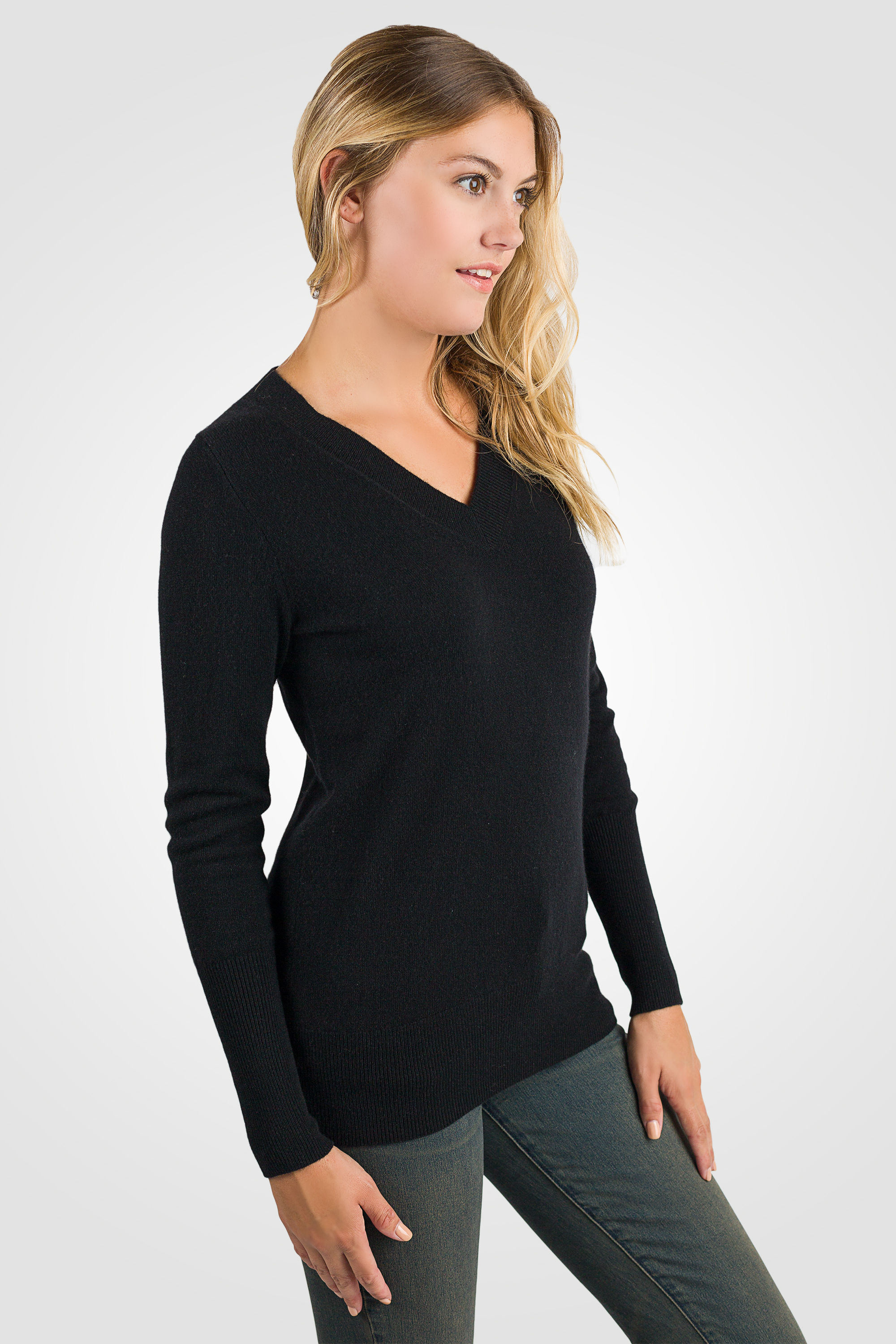 Black cashmere sweater ... black cashmere long sleeve ava v neck sweater right view ... IZAWRBS