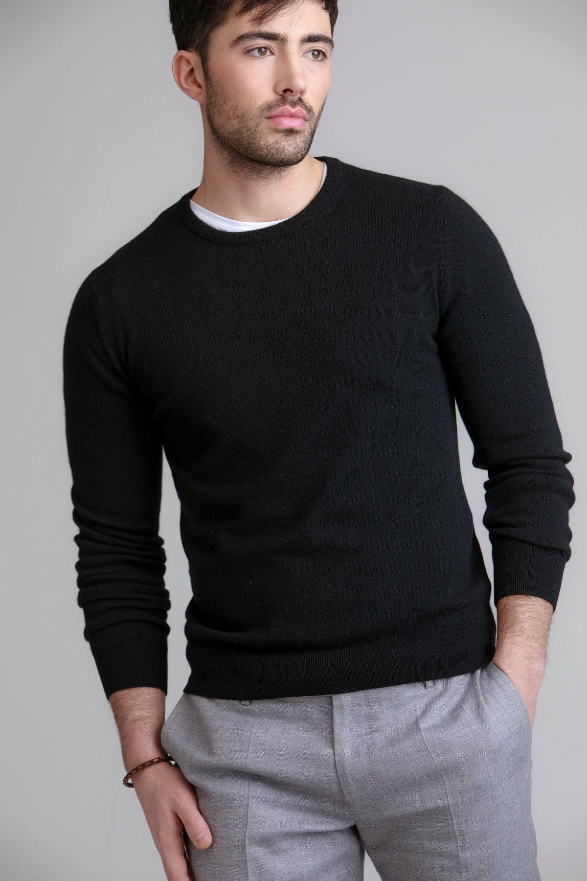 Black cashmere sweater black contemporary round neck mens cashmere sweater in black HZFSFCD