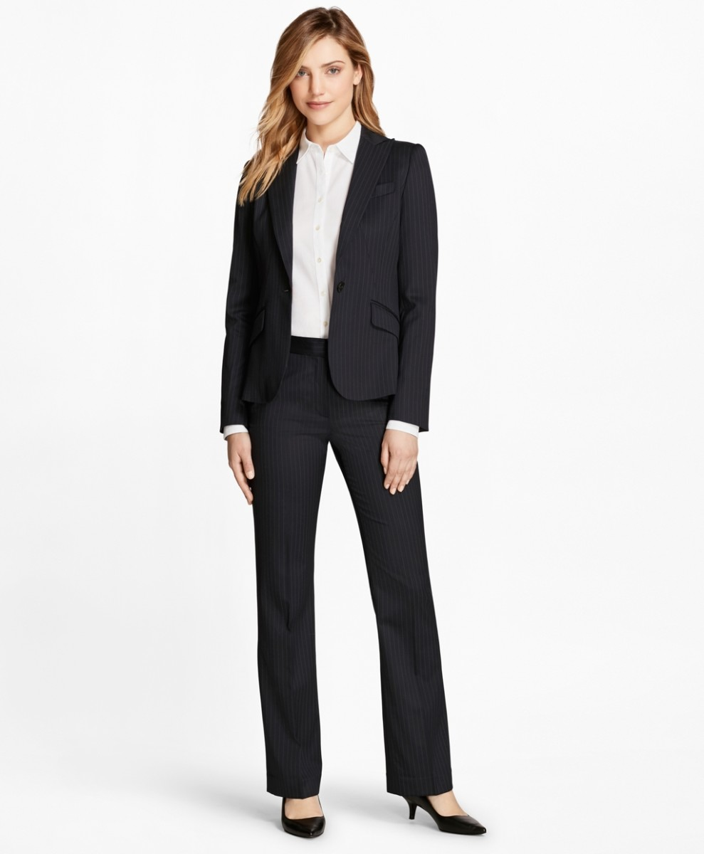 Business outfits for women brooks brothers suit is an example of a business formal outfit for the LAPRYOS