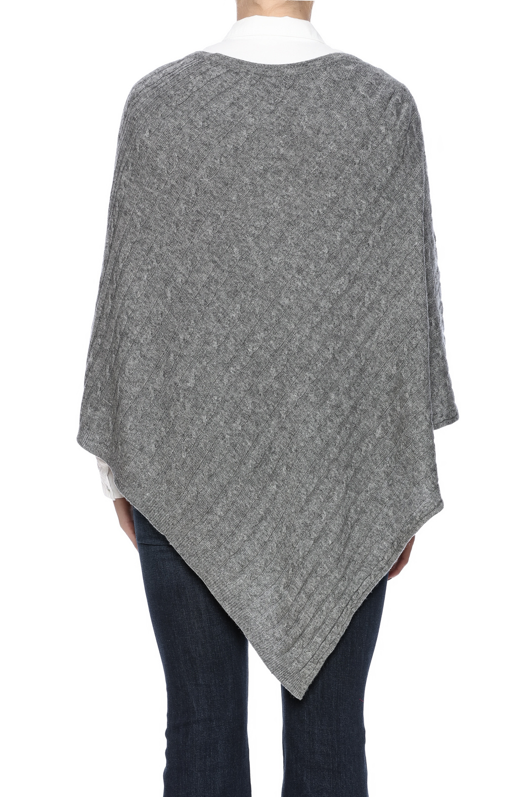 Cashmere Ponchos – for classic and casual styles