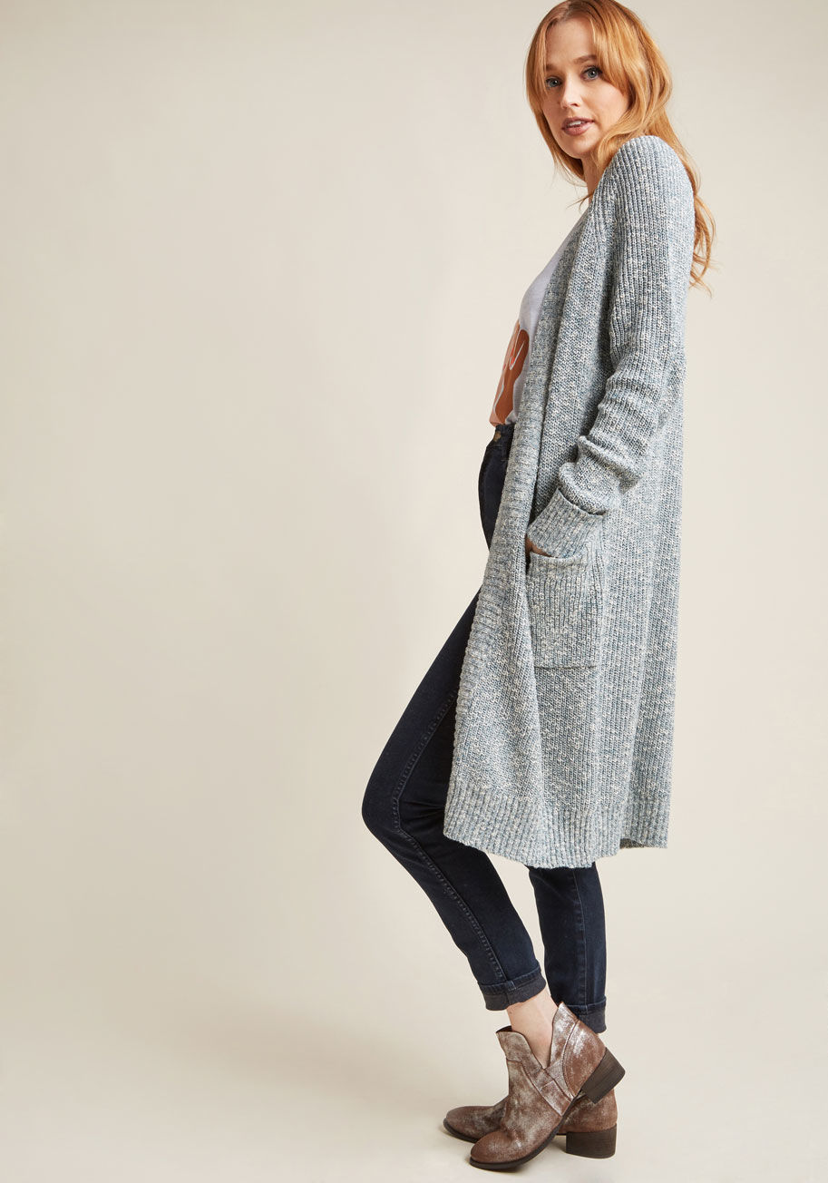 Long Cardigan: warm and figure-flattering