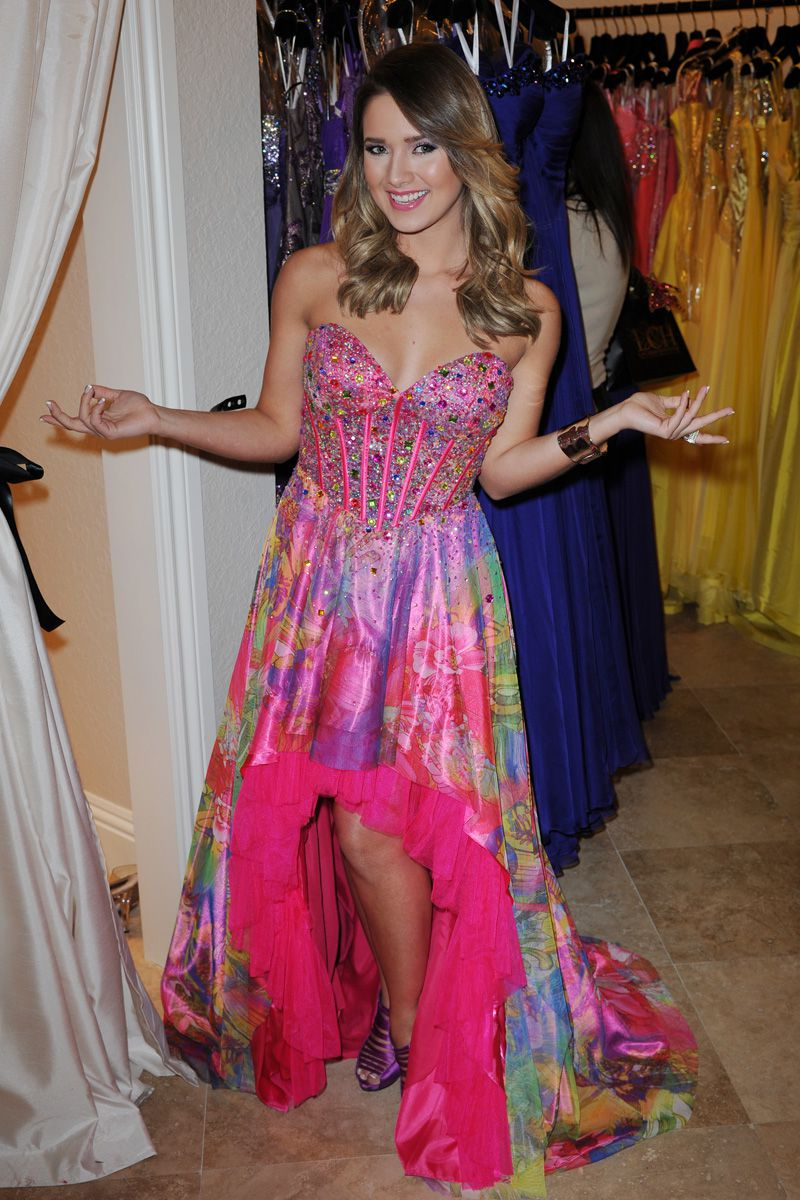 Prom Fashion prom dresses through the years - an evolution SZQYBCV