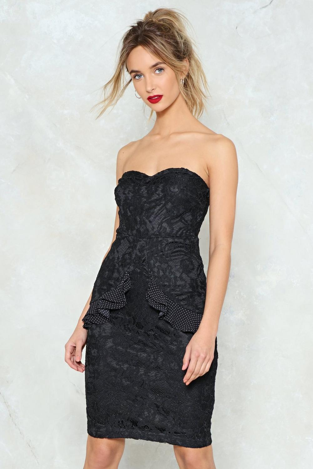Style strapless outfits with strapless dresses