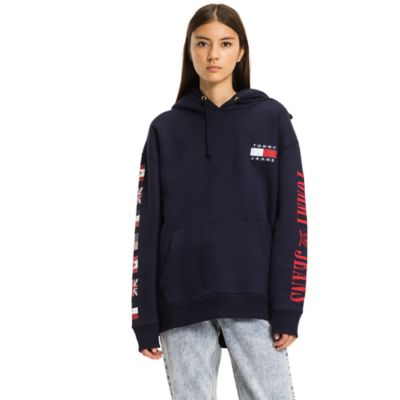 TOMMY HILFIGER SWEAT JACKET – When it comes to sweatshirts by Tommy Hilfiger, design meets quality
