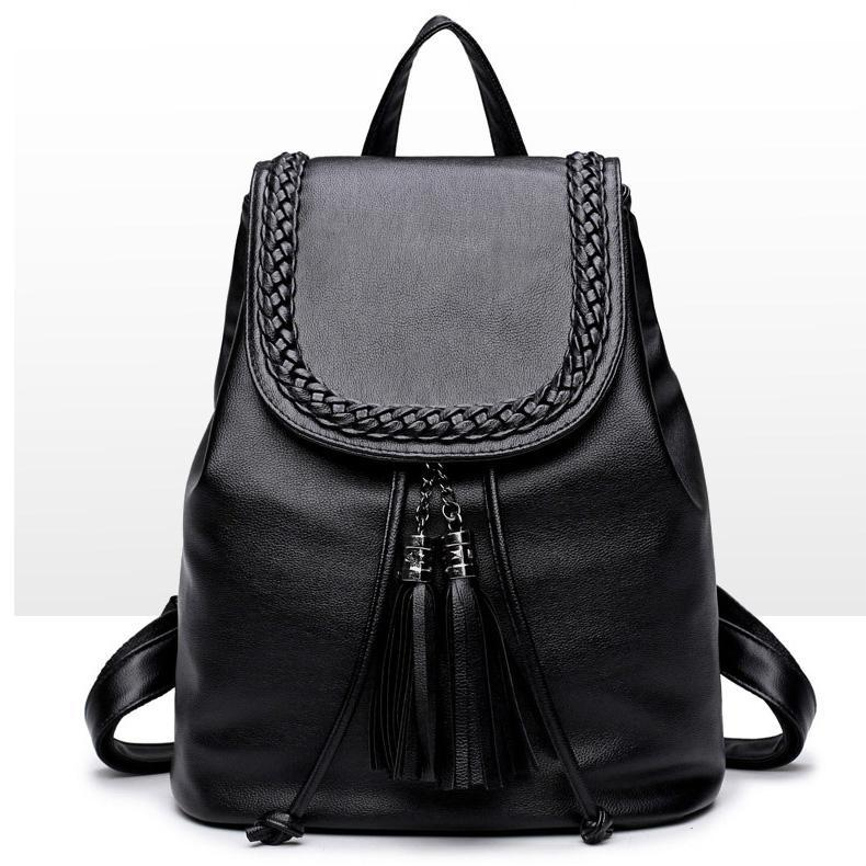Backpack for women – Fashionable, comfortable and practical: Luggage and utensils stowed away