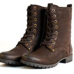 Women's boots in brown are practical and chic