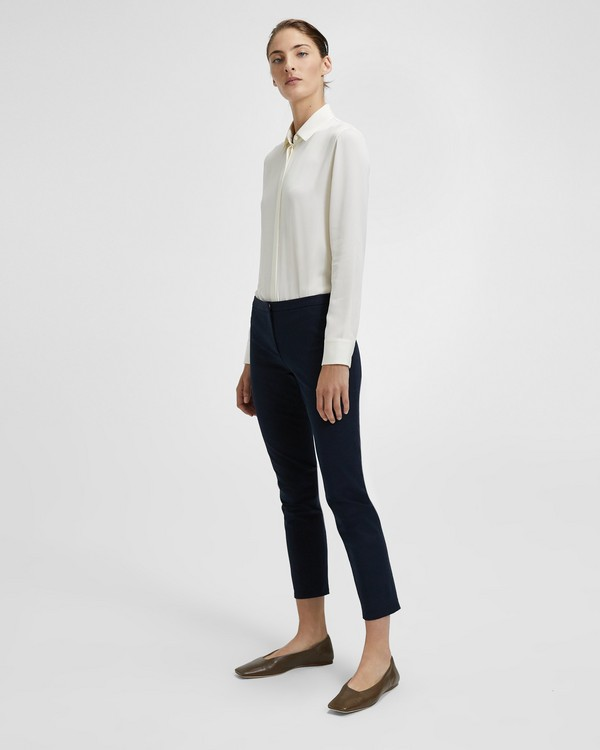 Classic cuts Pants in timeless, simple colors