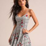 Flared clothes – From casual to solemn in the flared dress