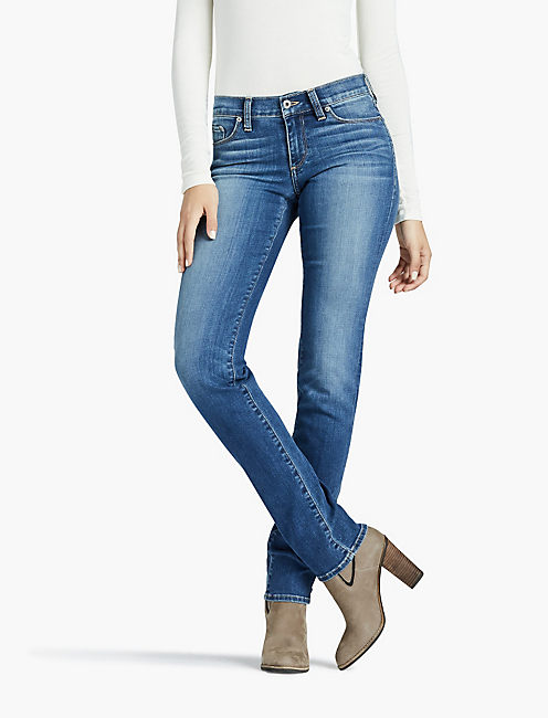 Straight leg jeans for women – always popular companions