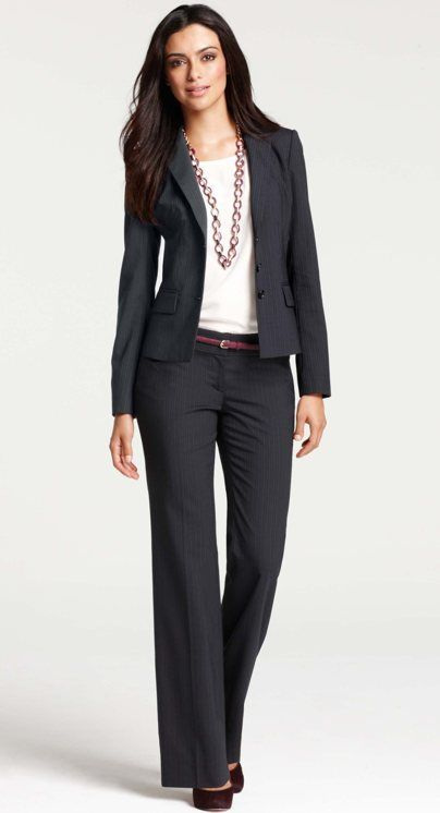 well-accessorized suit x Ann Taylor | Skirt the Ceiling |  skirttheceiling.com