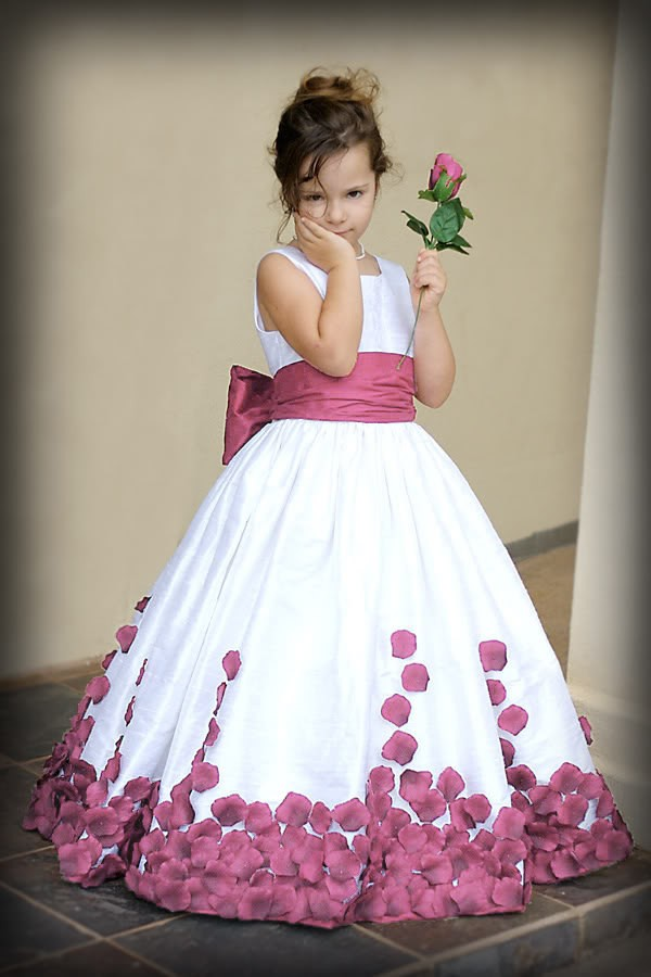 Round Neck Girls Princess Dresses Flower Girl Dresses Blue Red Purple Kids  Dresses Baby Clothing Birthday Party Dress Party Gown Kids Formal Dress