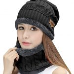 The hat scarf combines two practical accessories for the winter