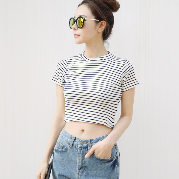2018 Summer Stripe Crop Top T shirt Women Simple White Black