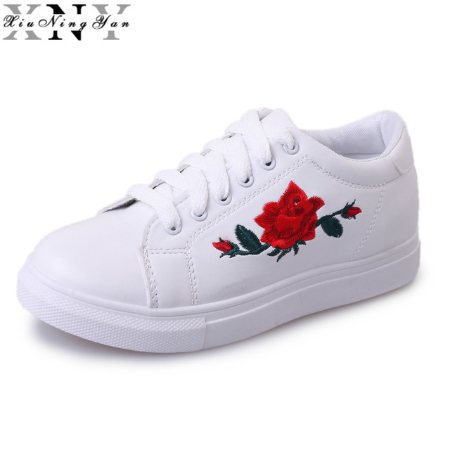 New Brand Designer Shoes Woman Fashion Rose Flower Embroider Black