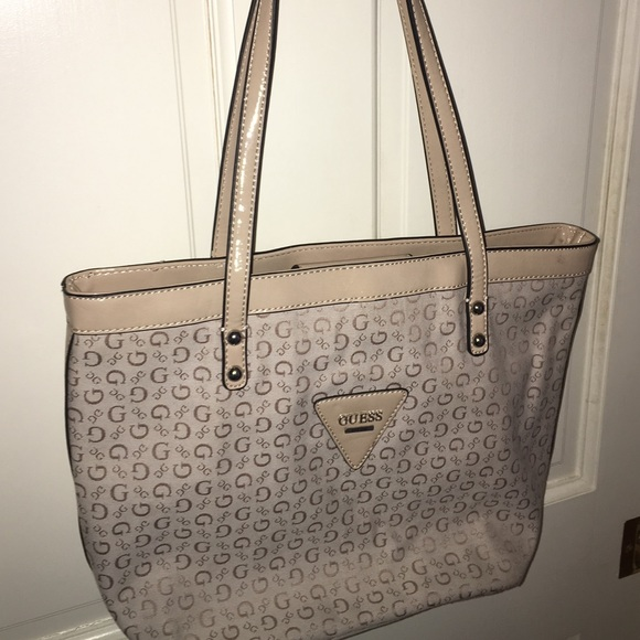 Guess Bags | Logo Shoulder Bag | Poshmark