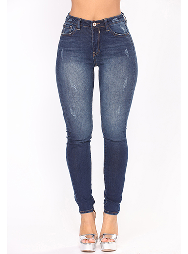 Jeans with contrasting stitches