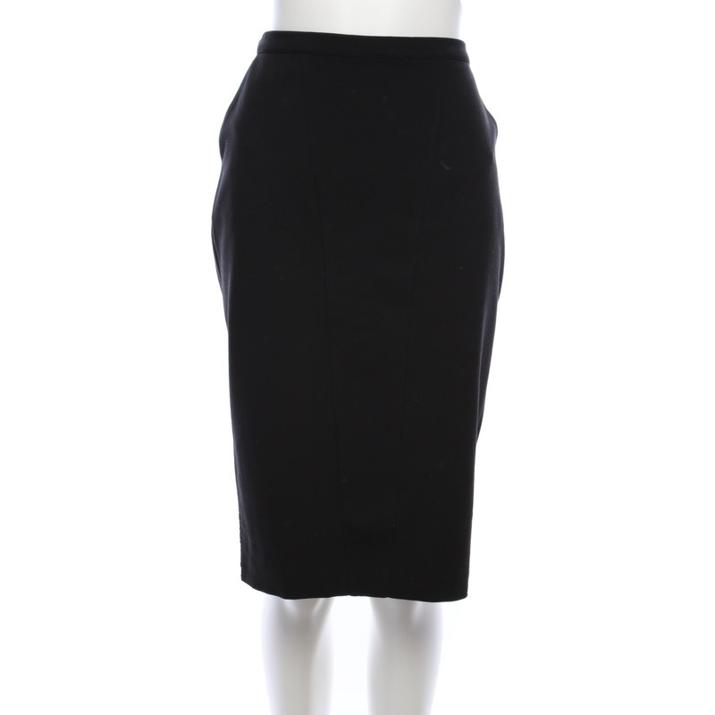 Marc Cain skirt in black - Second Hand Marc Cain skirt in black buy
