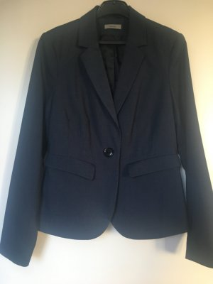 Montego Suits at reasonable prices | Secondhand | Prelved