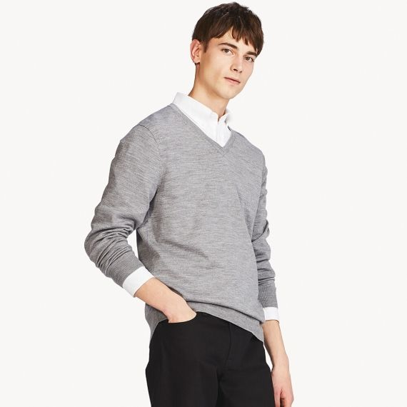 MEN Extra Fine Merino V Neck Sweater | UNIQLO