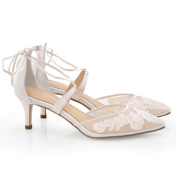 Wedding shoes – a dream in white for the bride