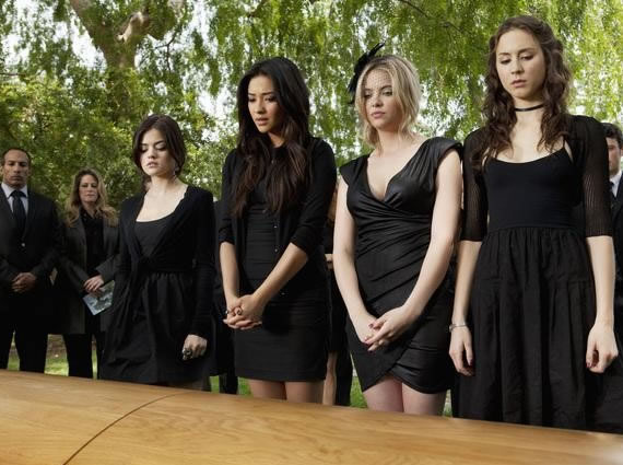 The Right Way To Dress For A Funeral Service - Outfit Ideas HQ