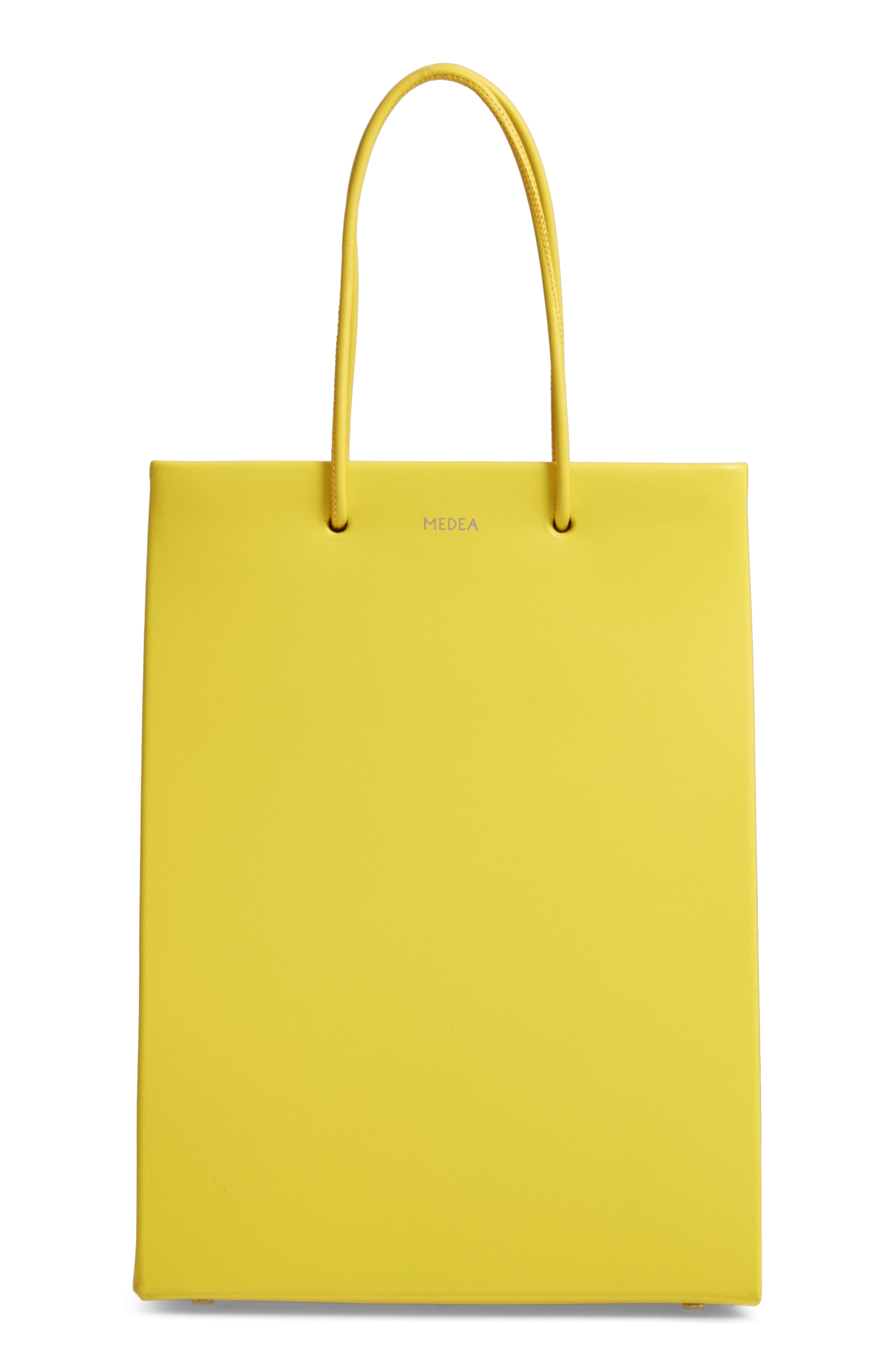 A happy asseccoire – the yellow bag
